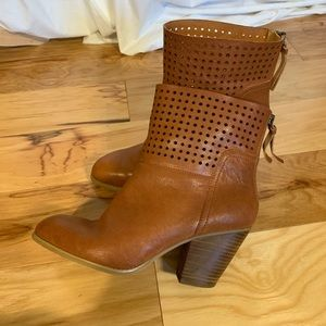 Nine West Hippy chic ankle booties. 9
